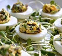 Jajka faszerowane śliwkami - przepis