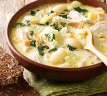 Kremowa zupa z kurczakiem i gotowymi gnocchi: sycąca i pyszna
