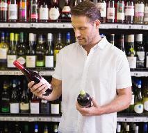 Jak odpowiednio dobrać wino do mięsa, owoców morza i innych potraw? Jak łączyć wina z potrawami