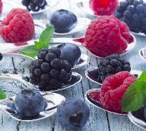 Letni deser młodości z owoców sezonowych