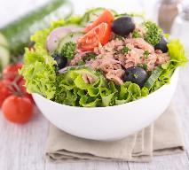 Sałatka tunezyjska - przepis na zdrową sałatkę z tuńczykiem