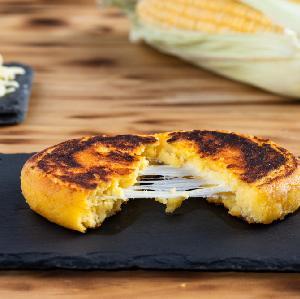 Kukurydziane placki z mozzarellą: najlepszy przepis