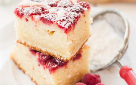 Ciasto ucierane na kefirze z malinami