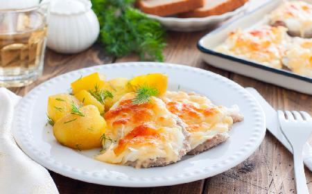 Kotlety z szynki zapiekane z serem i szczypiorkiem