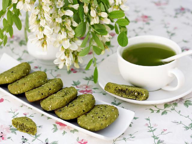 Matcha - herbata idealna do deserów. Właściwości i zastosowanie proszku matcha
