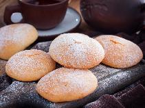 Kruche ciasteczka na mleku skondensowanym: łatwy przepis dla zaradnych