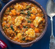 Potrawka z soczewicy i kalafiora: przepis na warzywny gulasz w stylu curry