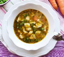 Jarzynowa z kluskami serowymi: łatwy przepis na pożywną zupę