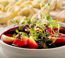 Uszka ze śledziem: przepis na tradycyjne polskie danie na Wigilię
