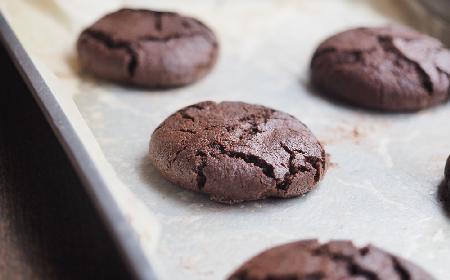 Truflowe ciasteczka: przepis na bezglutenowe ciastka czekoladowe z mąki ryżowej