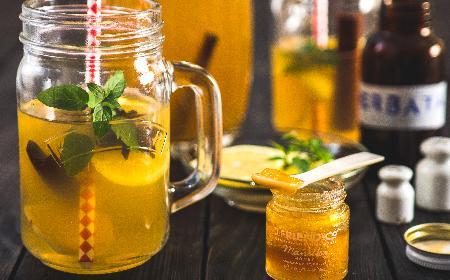 Lemoniada przetrwania z herbaty zielonej i yerba mate