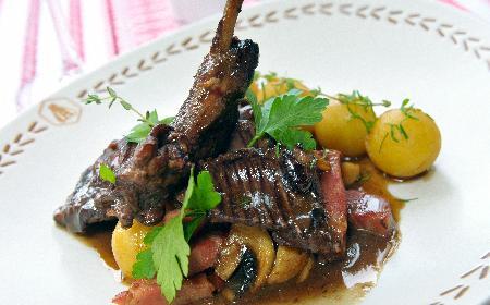 Potrawka z królika na sposób francuski: dobry przepis