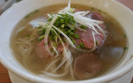 Wietnamski rosół wołowy: sprawdzony przepis