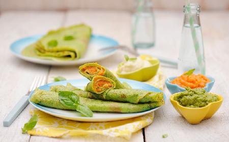 Zielone naleśniki z purée z warzyw: przepis na obiad dla całej rodziny [GALERIA]