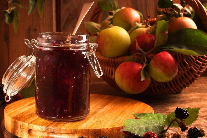 Galaretka jeżynowo-jabłkowa: przepis na przetwory z owoców