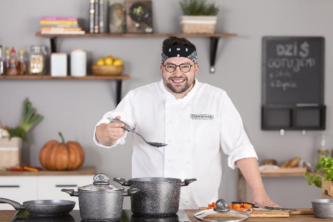 """""""Czerwiński w 7 minut"""" w telewizji Tele5:  nowy program kulinarny Szymona Czerwińskiego"""